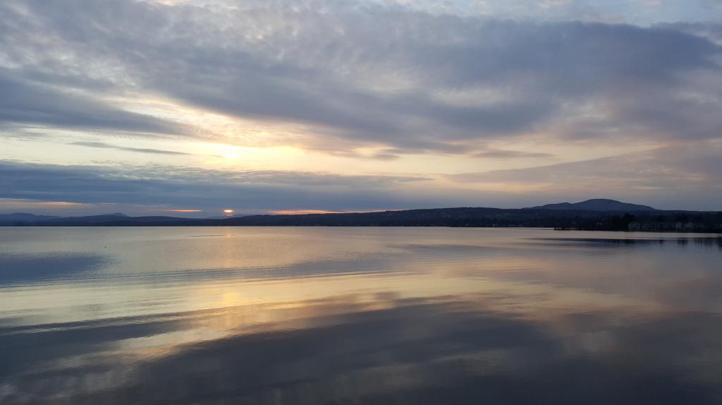 coucher de soleil lac memphrémagog